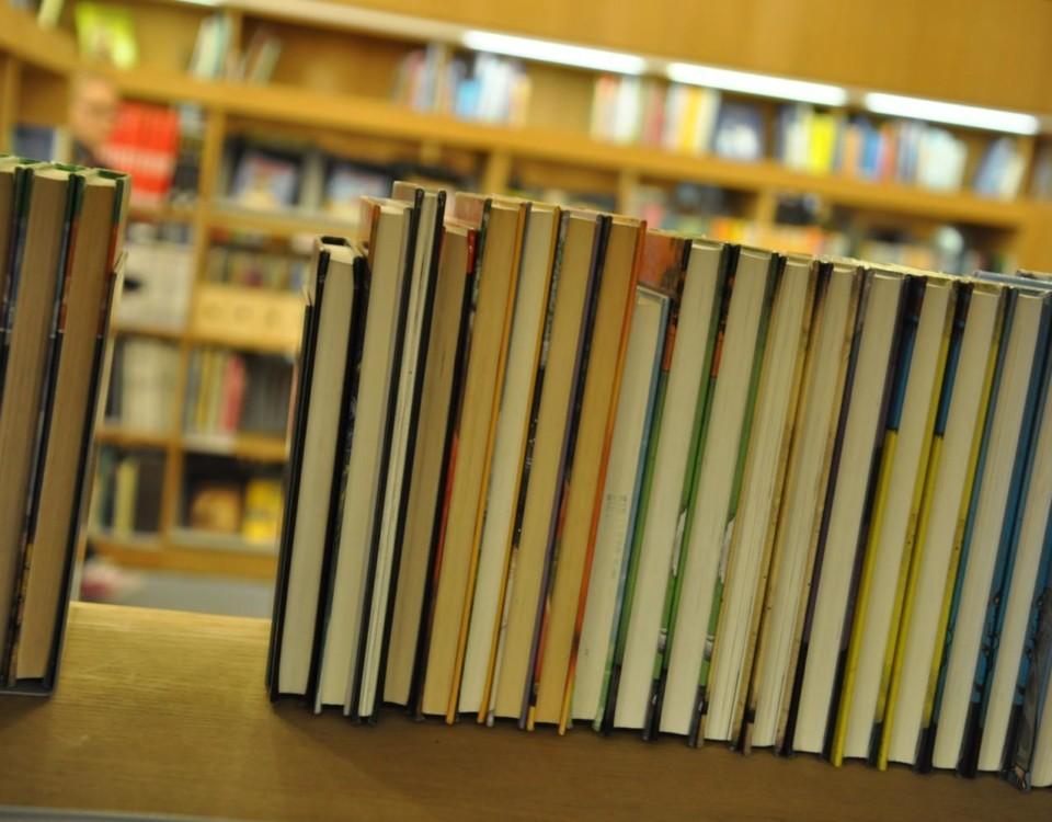 böcker bilbiotek