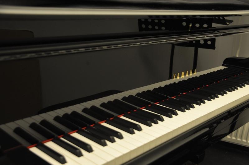 Villa Landes piano står redo.