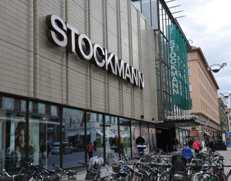 Varuhus på gågatan i Åbo.
