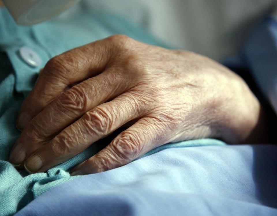 En gammal människas hand