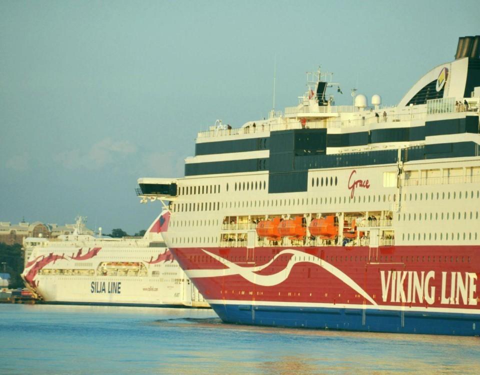 Två passagerarfartyg