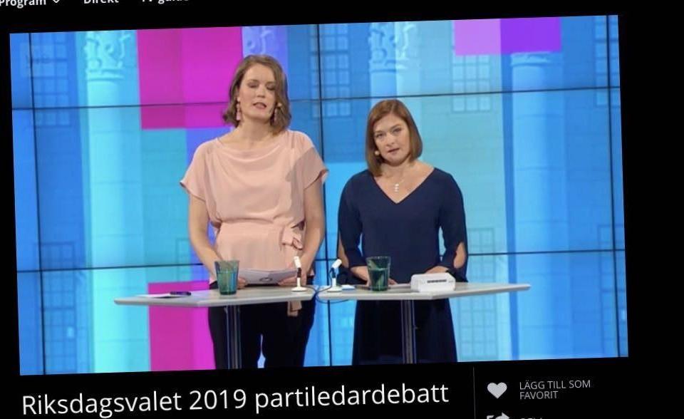 Två kvinnor i en tv-studio.