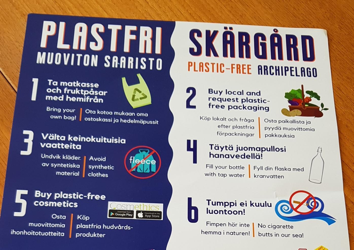 plasch som berättar om åtgärder för att hålla skärgården plastfri, till ex att använda matkasse istället för plastpåse, inte använda engångsplastflaskor, och så vidare