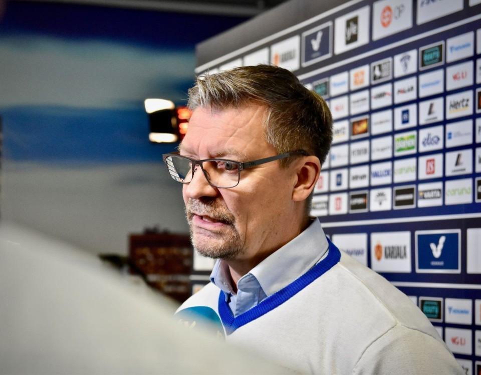 År 2011 utsågs Jukka Jalonen till årets tränare i Finland. Nu får han stolt ta emot titeln en gång till.