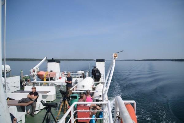 Människor ombord på M/S Eivors däck.