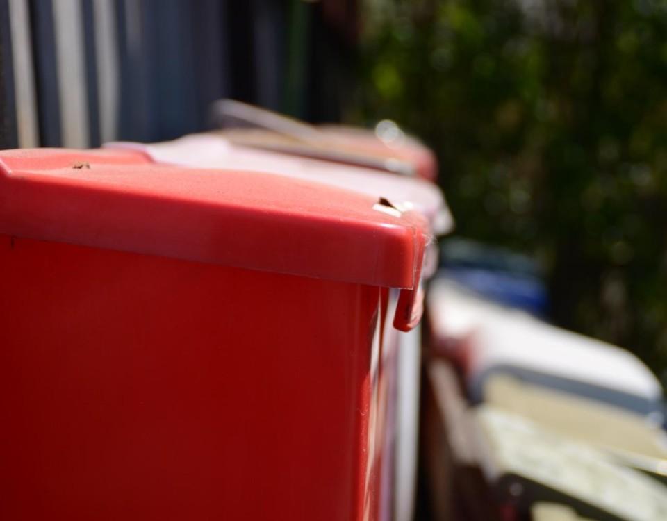 Postlåda.