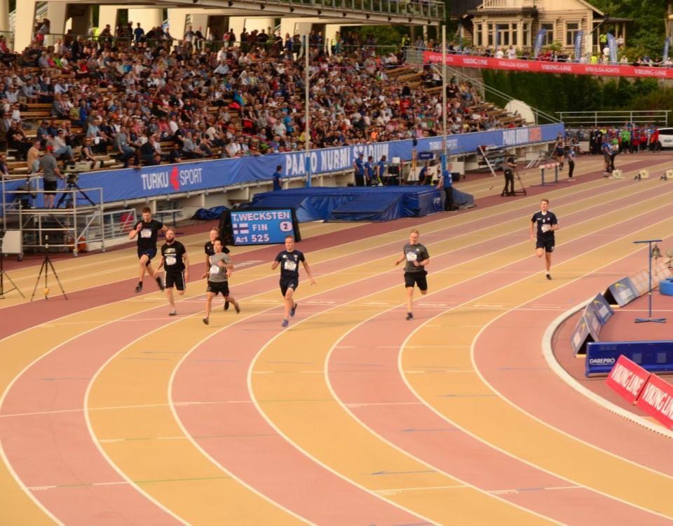 Tävlingen om vilken indrottsförening som är snabbast i Åbo under Paavo Nurmi games 2019. Kimmo Kutinlahti från TuTo Volley besegrar sina rivaler.