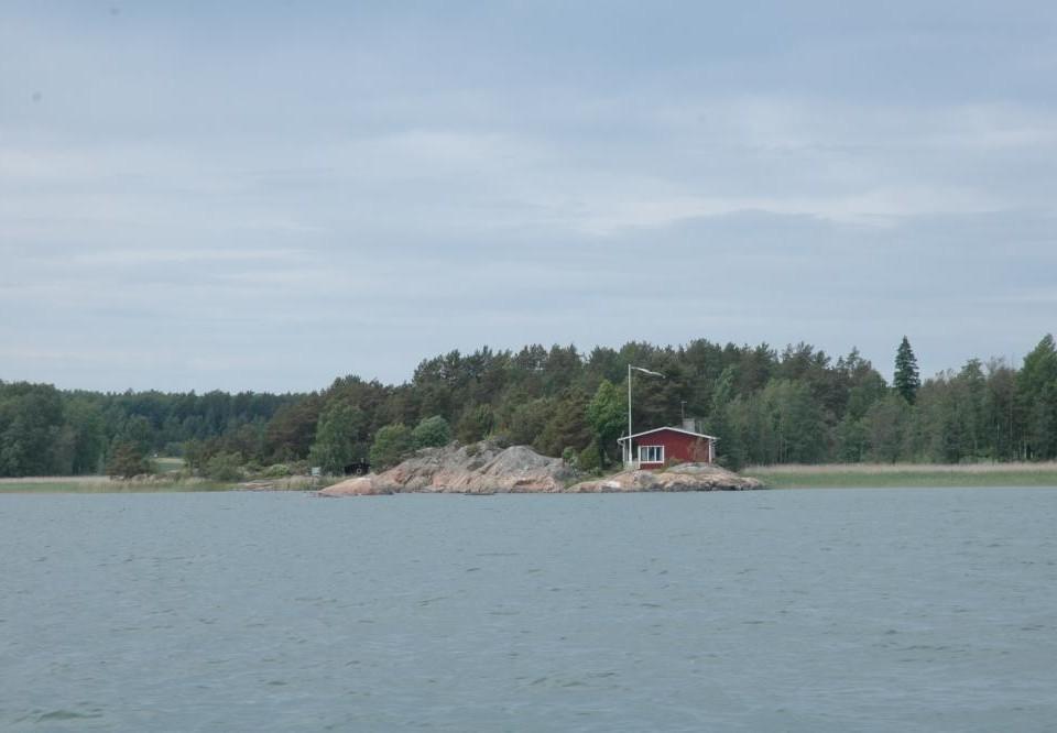 sommarstuga på ö vid havet