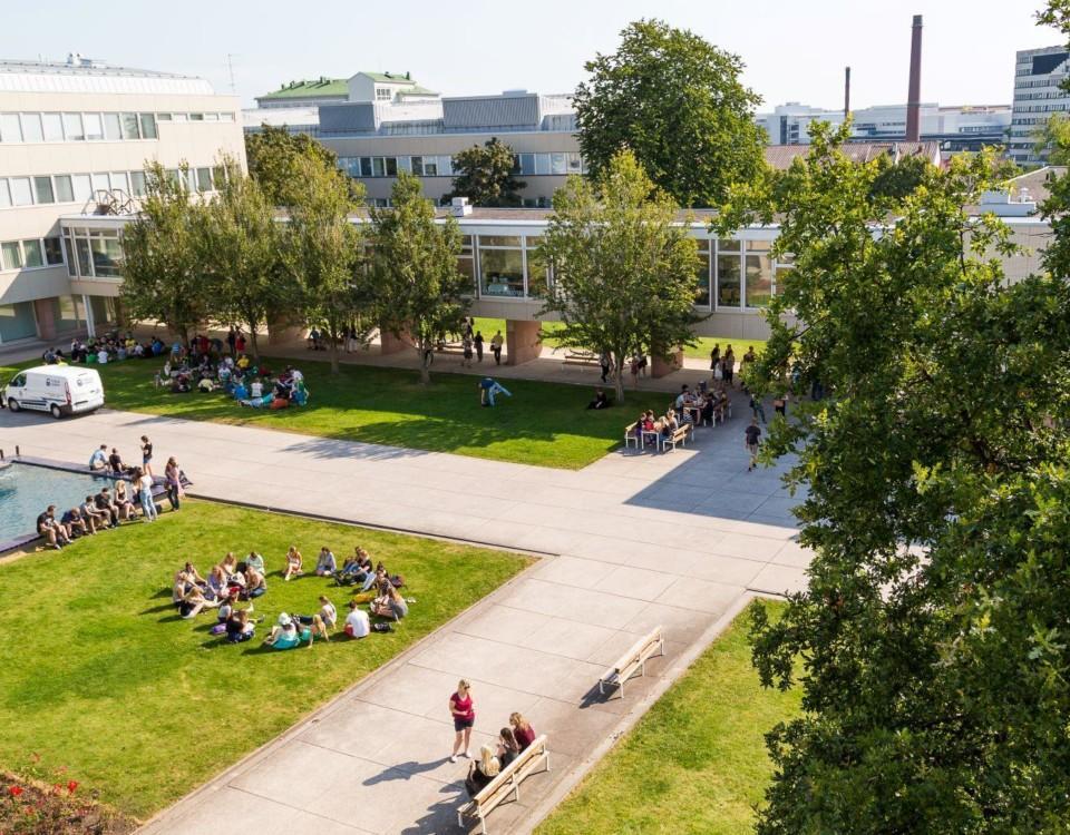 campusgård uppifrån