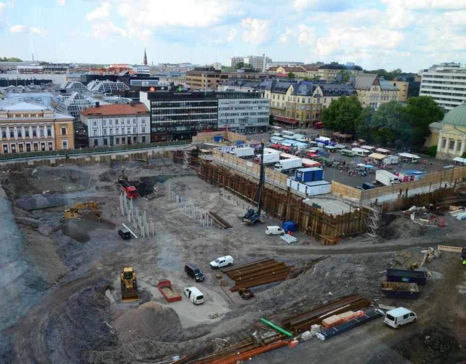Bild av byggarbetsplatsen fotad uppifrån.