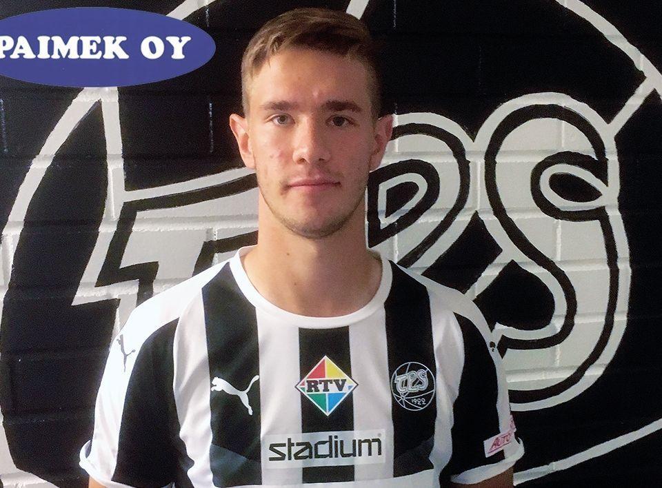 Valtteri Vesiaho iklädd TPS spelskjorta.