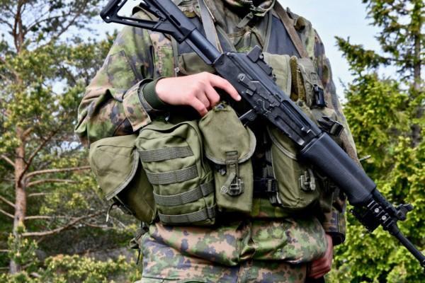 militär och vapen