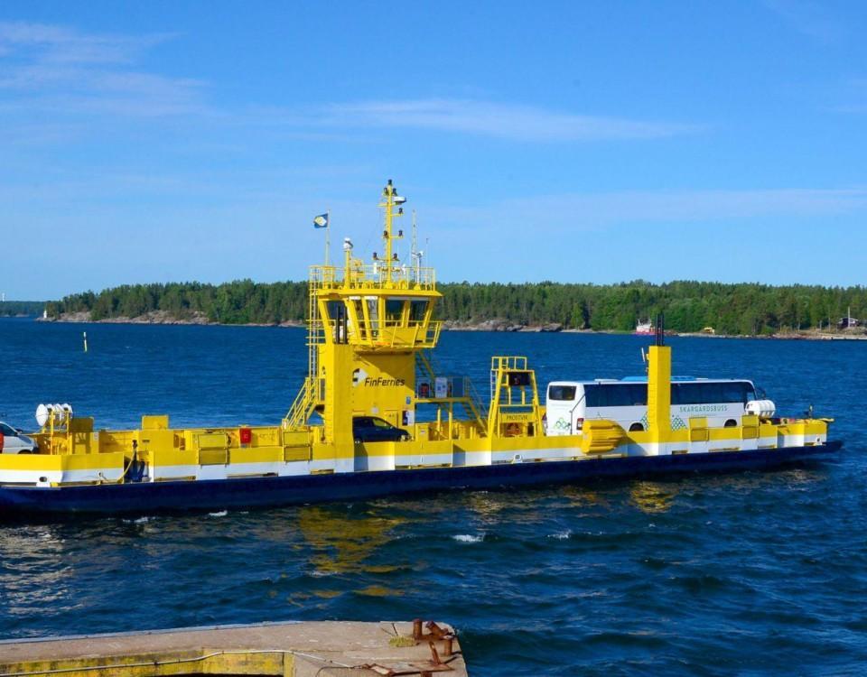 en gul båt