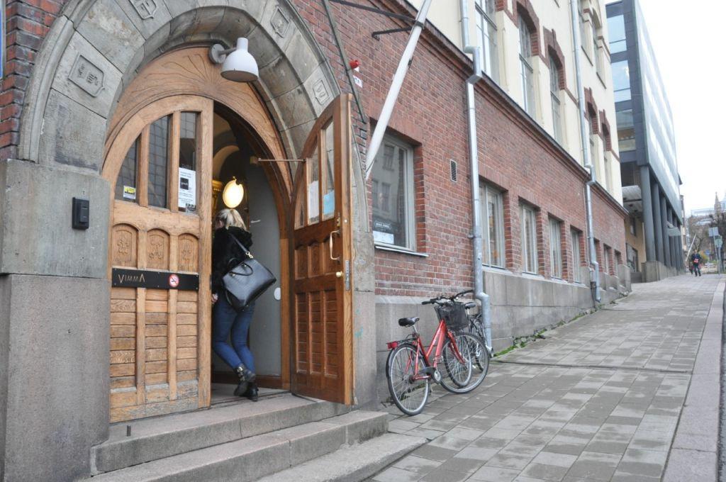 Den svenska ungdomslokalen Zabadak i Åbo håller öppet 27.12 och 30.–31.12, alltså inte på julafton. Lokalen ligger på Auragatan. ÅU-foto