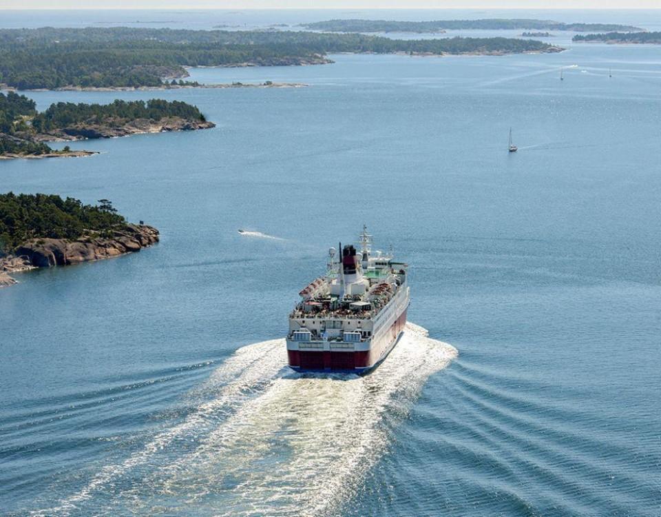 Passagerarfartyg på havet.