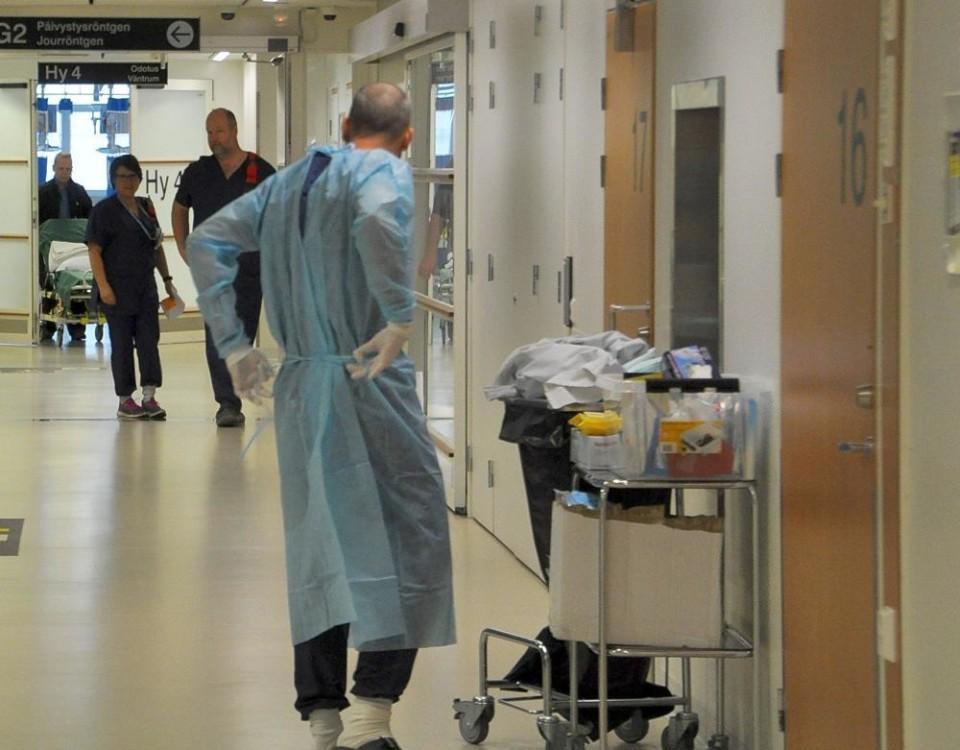 en sjukhuskorridor