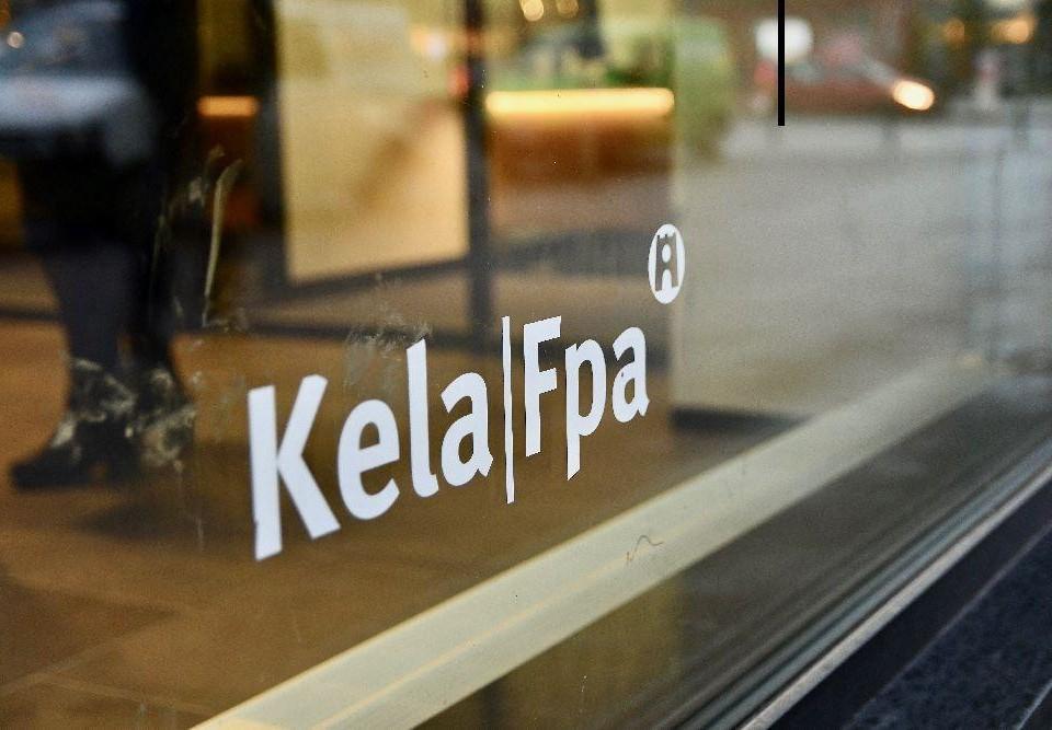 Fönster med texten Kela/Fpa