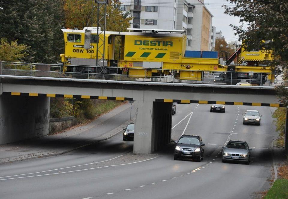 Bro över en väg