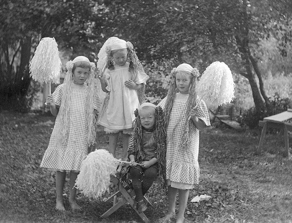 Barn med majviskor