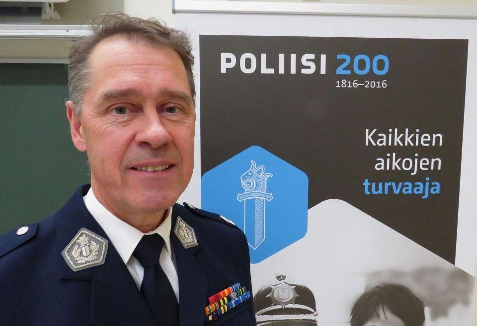 Polisöverdirektör