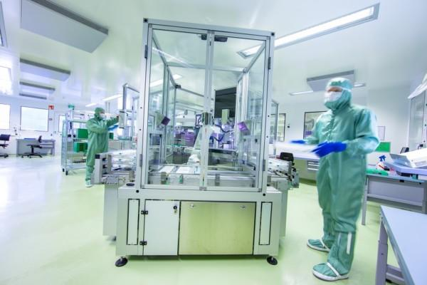 Stor maskin i Bayers fabrik