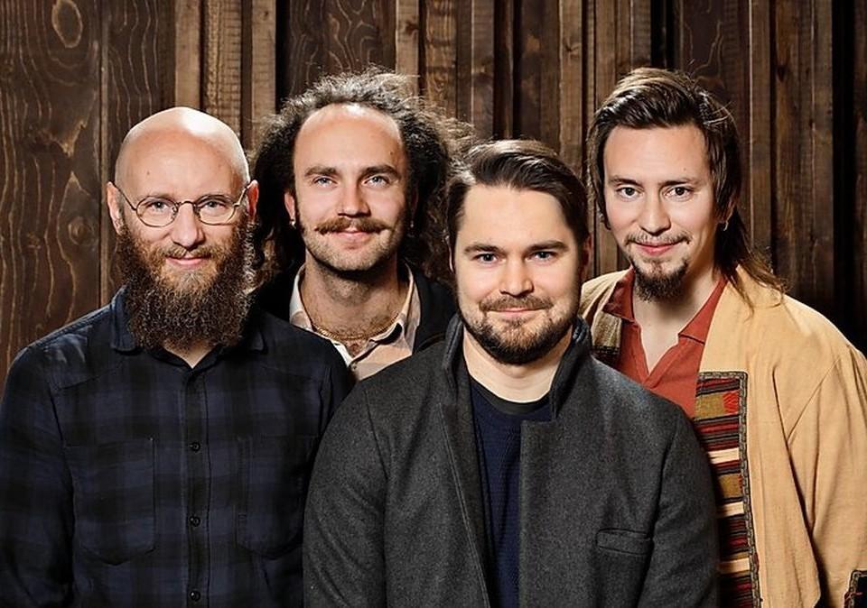 fyra män i grupp mot en bakgrund, jazzgruppen pauli lyytinen magnetia orkesteri
