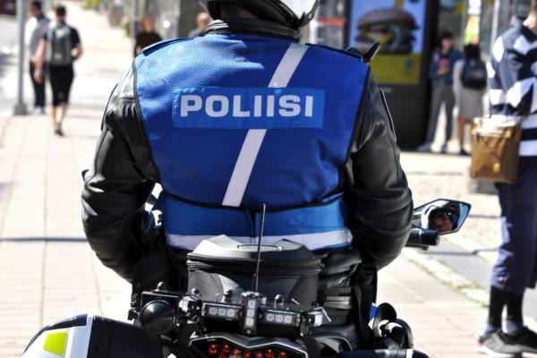 polis på motorcykel