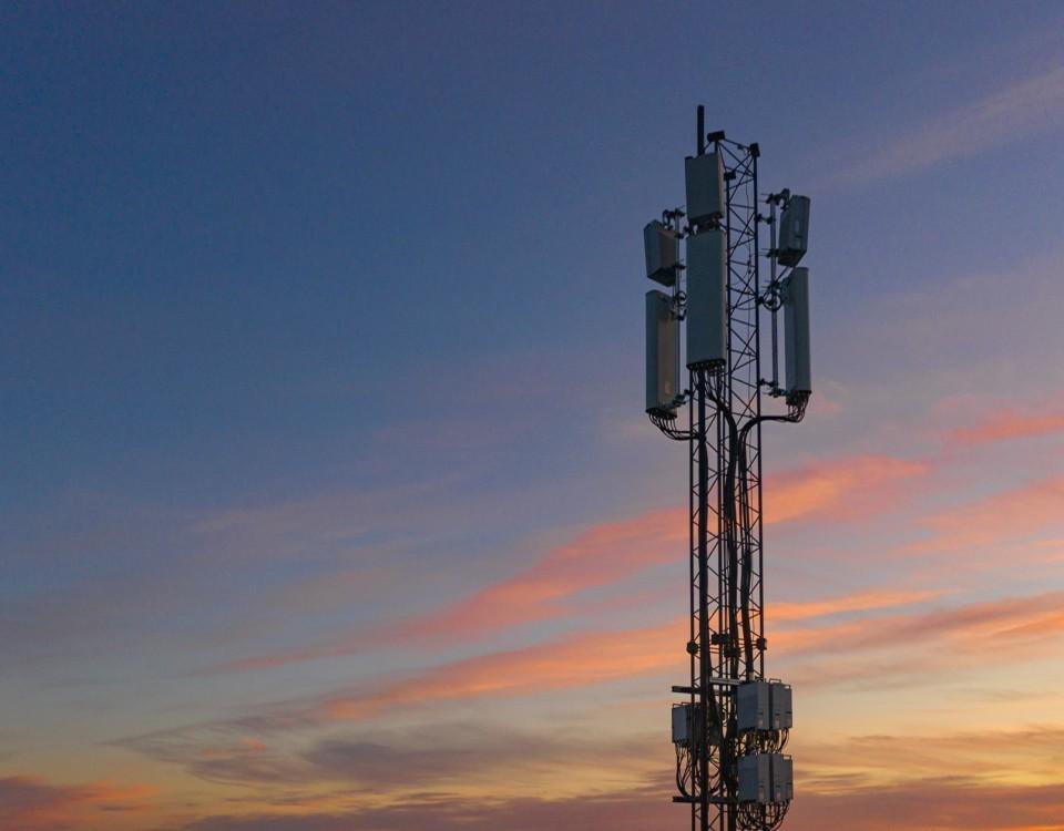 antenn i solnedgång