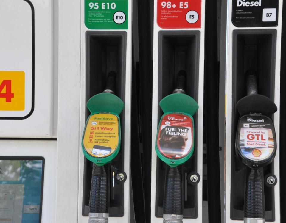 bränslepumpar vid bensinmack