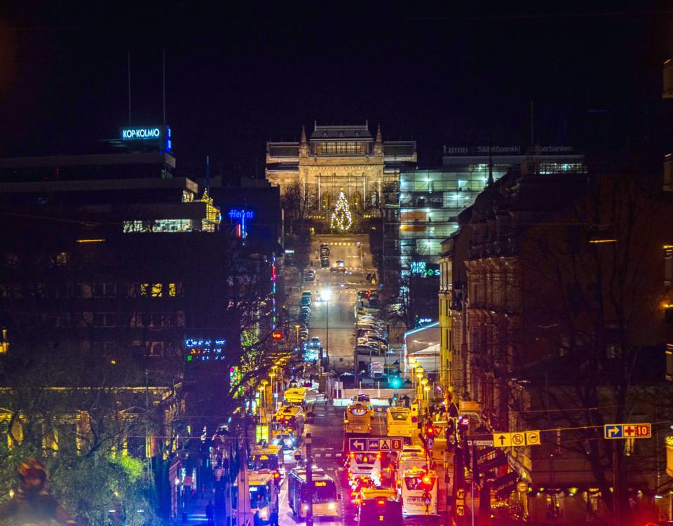 julbelysning och en stor gata