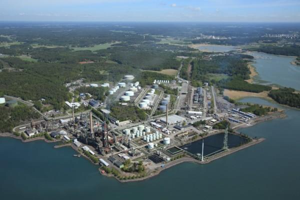 Ett industriområde fotograferat från luften.