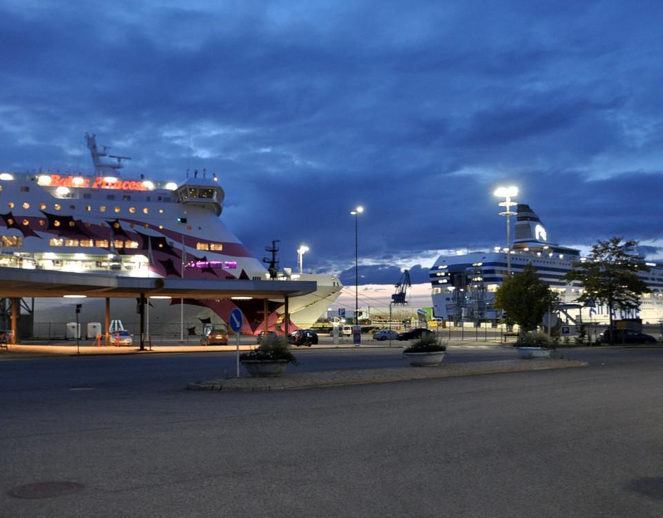 Passagerarfartyg står i Åbo hamn