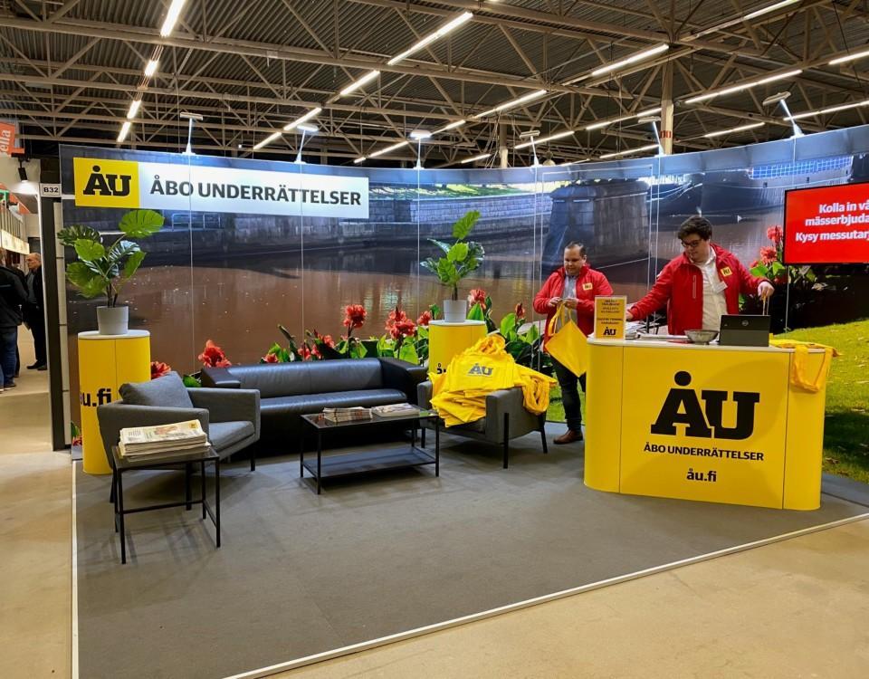 En utställningsmonter där ÅU är representerat.