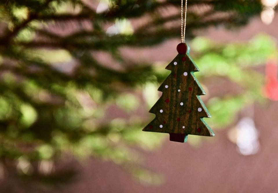 dekoration i en julgran