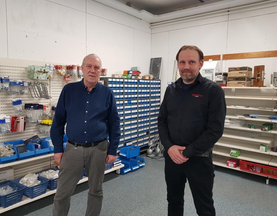 Två män i en affär