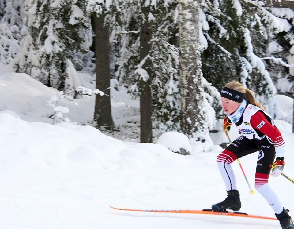 Theresia Johansson i skidspåret