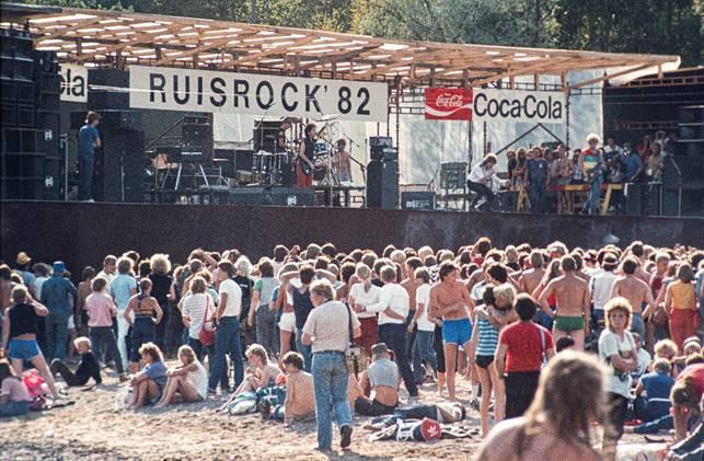 Ett fotografi från Ruisrockfestivalen från 1980-talet.