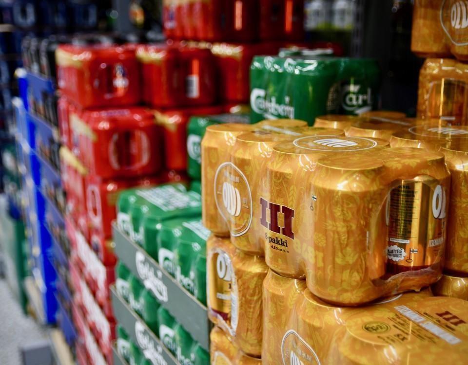 Ölburkar i en affär.