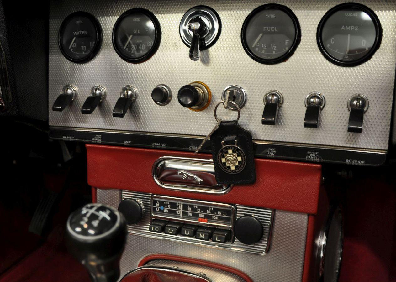 Instrumentbräda i bil