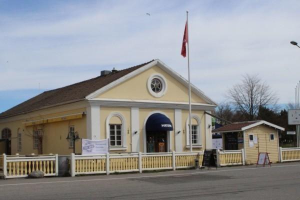 restaurangbyggnad i gammalt magasin