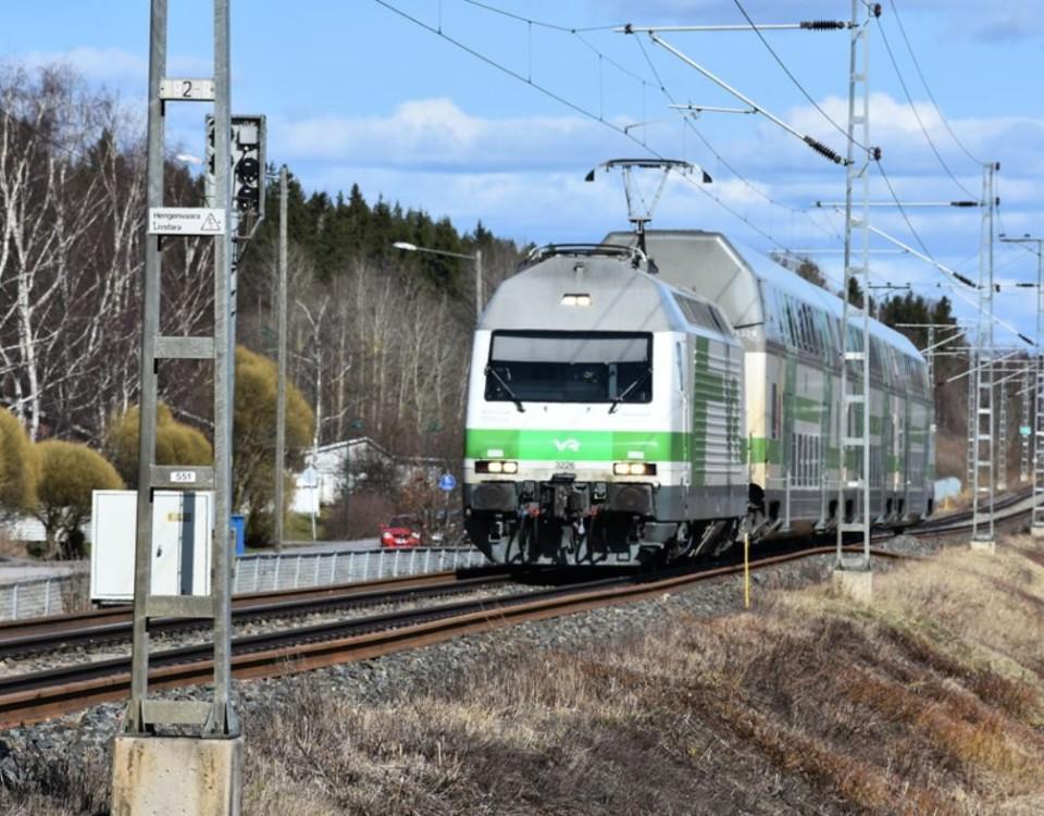 ett tåg på en räls