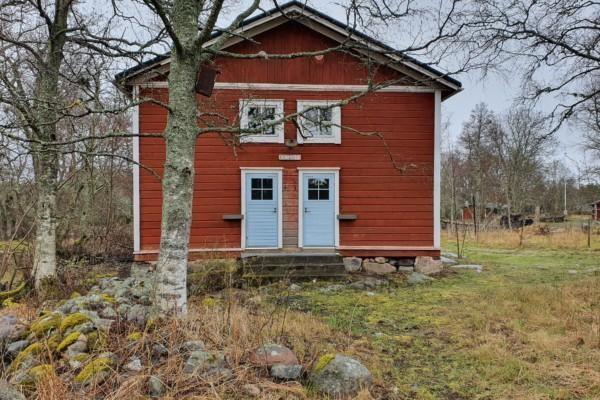 Ett rött hus.