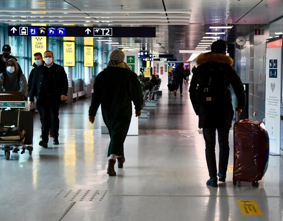 Människor på en flygplats.