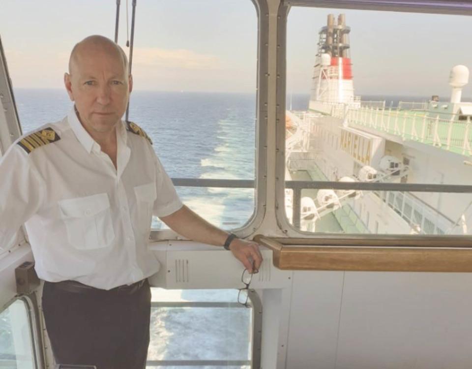 en sjökapten på ett fartyg