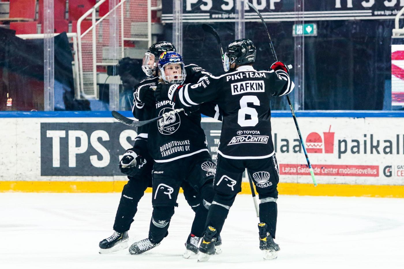 firande ishockeyspelare