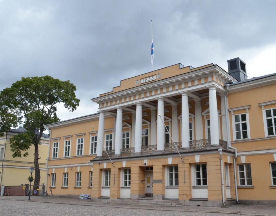 ÅAs huvudbyggnas har sorgflaggning