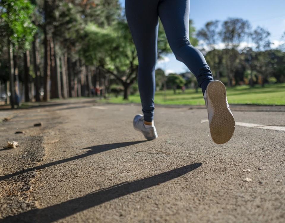 En person som springer