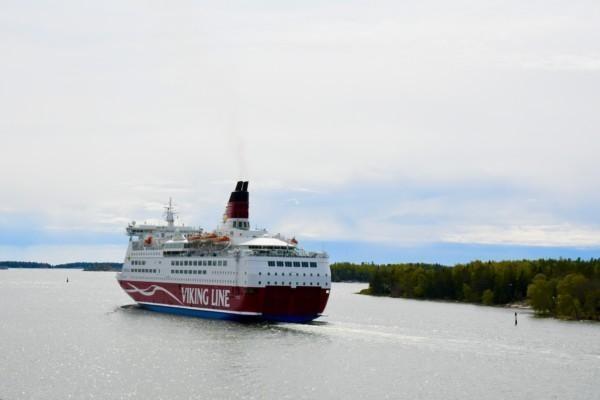 ett passagerarfartyg på havet