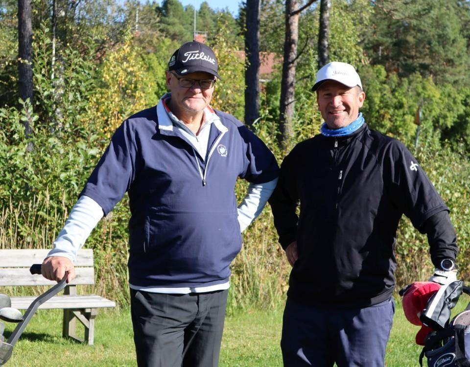 två golfare